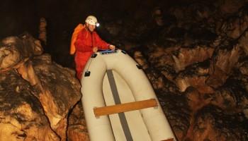 Prenašanje čolna čez Križno goro